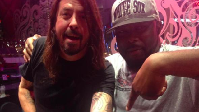Dave grohl gets awesome new tattoo as a tribute to for Queens of the stone age tattoo