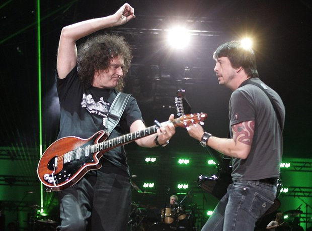 Brian May and Dave Grohl