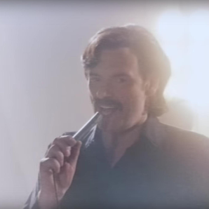 Julian Barratt as Richard Thorncroft in music vide